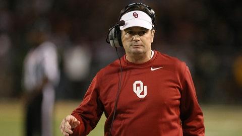 Oklahoma football coach Bob Stoops retiring after 18 seasons